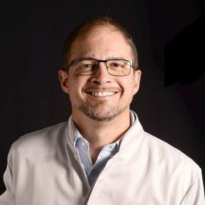 Dr. Ricardo Gapski
